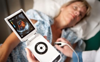 УЗИ диагностика на дому: можно ли сделать, как вызвать специалиста и сколько это стоит
