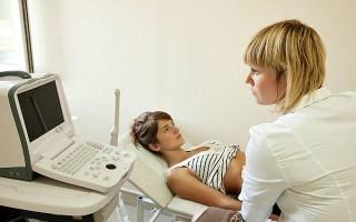 Не опасно ли УЗИ на 4-й неделе беременности и что оно показывает на фото в норме