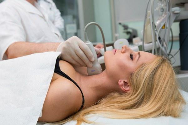 УЗИ лимфатических узлов шеи у девушки